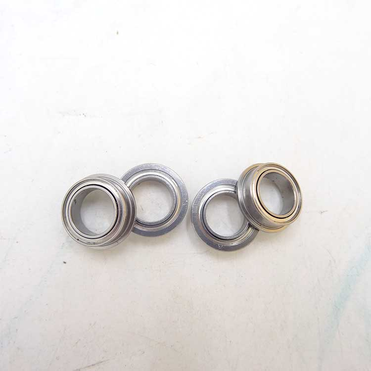 Dealing with Iranian customers about the order of miniature flange bearing